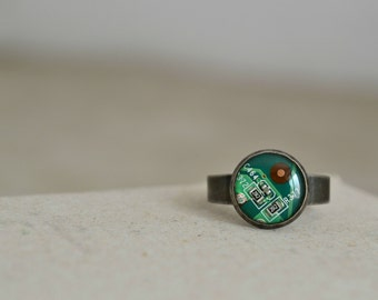 Tiny Circuit Board Ring - Geekery Green Computer Jewelry Ring - Minimalist Cute