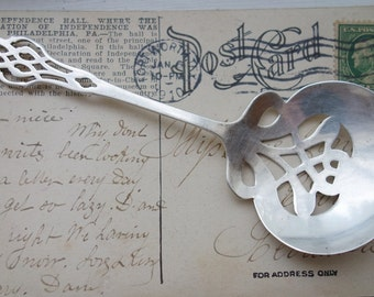 Antique Sterling Silver Chippendale Bon Bon serving spoon Server Lunt 1910