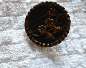 Vintage Button A Antique Metal 1920  French Button.