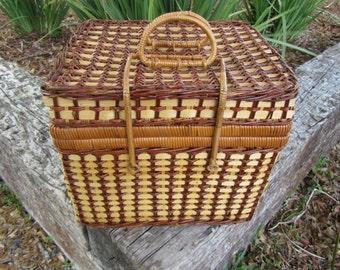 Vintage Picnic Basket, Lunch Basket, decorative picnic basket, Wicker Basket,
