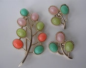 Vintage Sarah Coventry Pastel Green Peach, Pink Brooch & Clip Earrings Set