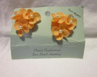 Vintage Fort Myers FL Real Sea Shell & Pearl Earrings Sweet