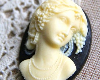 6 pcs of resin cameo 3D  high dome-- 30X40mm-RC0156-2-cream on black