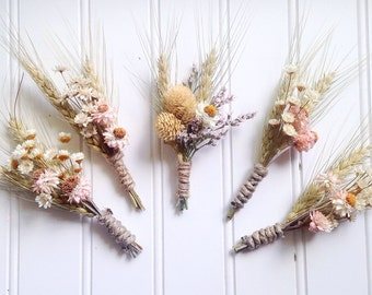 Blush wildflower boutonnieres
