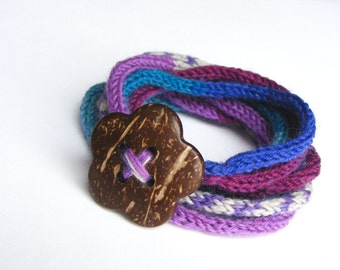 Knitted cord bracelet with button, women's knitted bracelet, accessory, wrap, lariat, knit necklace, flower coconut button, blue purple