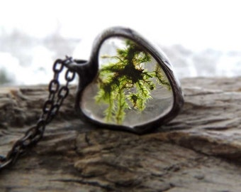 Real Moss Necklace, terrarium necklace, dried moss, Real moss necklace, botanical,science jewelry ,natural specimen ,real plant jewelry