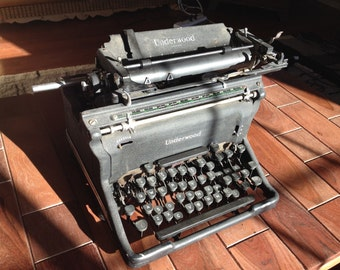 Items similar to 1939 underwood standard machine crire - Machine a ecrire underwood ...