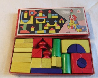 Vintage small set of building blocks, tower making shapes