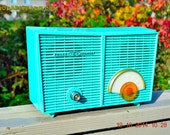 WACKY Looking Turquoise Retro Jetsons Vintage 1957 Philco G826-124 AM Tube Radio Works!
