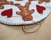 Ging-y-bread Penny Rug Kit ~ Christmas Gingerbread with peppermint candy - hand embroidery pattern - wool applique pattern