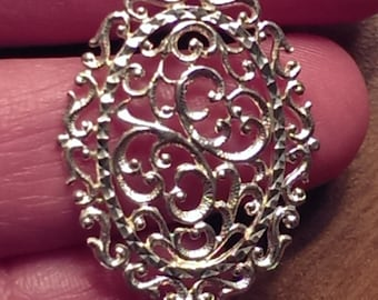 Beautiful Vintage Sterling Silver Filigree Pendant On A Sterling Silver Necklace