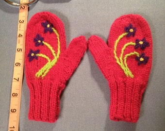 Children's Medium/Large Pink Flower Mittens