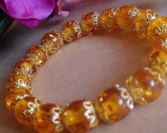 Amber stretchy bracelet.
