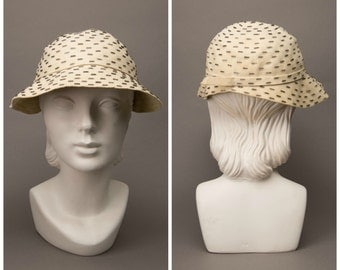 1920s Cream Beaded Cloche Hat