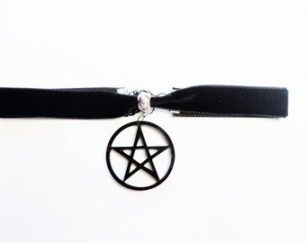 Pentagram collar necklace