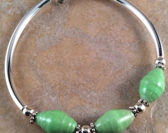 Recycled Magazine Bead Bracelet - Light Green