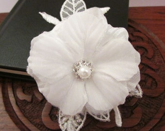 White Flower on Lace Motif with Genuine Crystal & Pearl Embellishment SWVL002 Wedding Bridesmaid Christening Accessory Brooch Embellishment