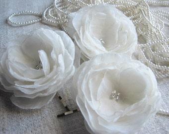 Ivory wedding flower Ivory hair flowers Ivory bridal flower Wedding ivory hair flower 3 ivory hair flower Ivory hairpiece 2 inch hair flower