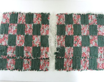 Red Green Christmas Placemats Holiday Table Decor Handwoven Reversible Set of 4 Kitchen Cottage Decor Shabby Chic Picnic Table Linens