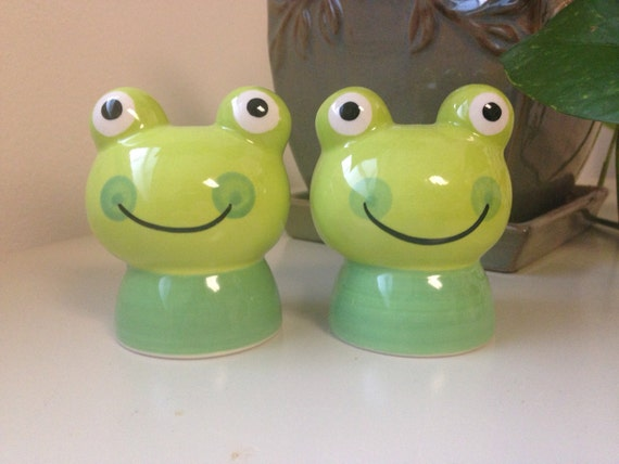 Cute Froggy Salt And Pepper Shaker Set By Loschapines On Etsy