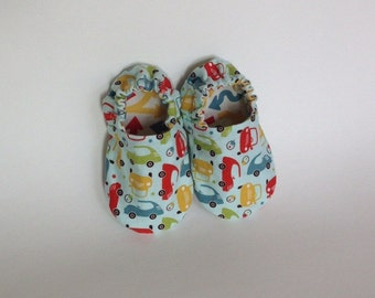 Reversible baby shoes | Cars and Arrows | christmas present | stocking stuffer | soft sole crib shoes | baby booties