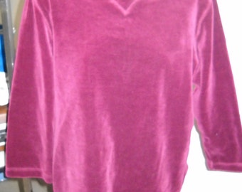 Vintage  WHITE STAG Long Sleeve Velour Top (S/4-6)