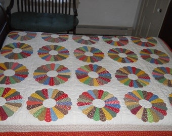 Dresden Plate Quilt & Two Matching Pillows!   Hand Done.   From Virginia.  82 x 70 Inches