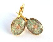 Glass cabochons earrings ,green red and blue vintage pattern, golden finition brass
