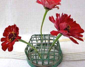 Vintage Green Floral Frog Cage by Dazey Manufacturing NY, Flower Frog, Cage Flower Frog, Green Cage Floral Frog