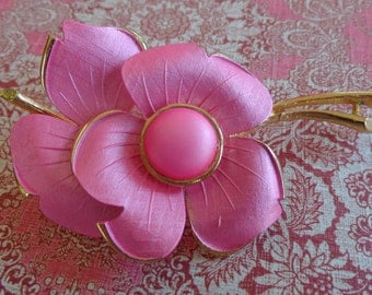 Vintage Flower Brooch Pin Large Pink Textured Gold Tone Bridal Wedding Jewelry