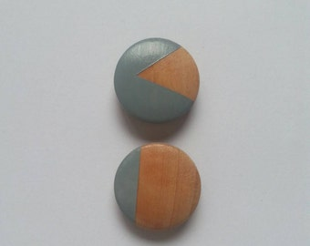 Set of 2 wooden magnets