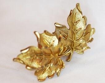 1950s Amerique maple leaf vintage clip earrings