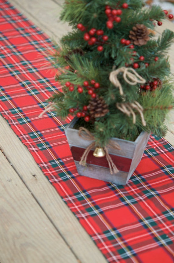 Christmas table runner Royal Stewart tartan Wedding table
