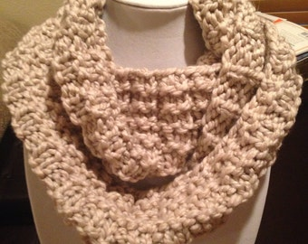 Luxurious chunky double infinity scarf