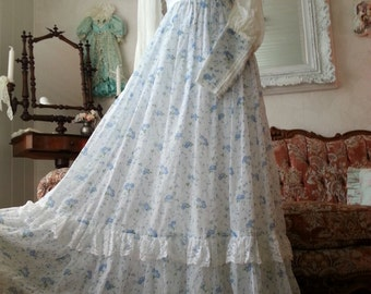 Beautiful Vintage Gunne Sax Dress