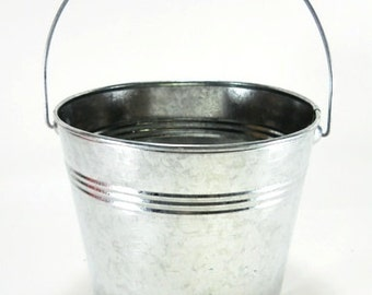 """3 pc set 5 1/2"""" Tall 2 Qt Galvanized Pail/bucket with handle"""