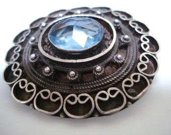VICTORIAN STYLE BROOCH  - Lovely silver brooch  - Pendant  - Blue Color Stone -  Raised Decoration, Made in Israel, Dual Function