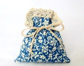 the Frozen Bouquet - Gift Bag - Decoration Pouch - Favor Bags for Guests - Beige Blue Floral - Cotton Bags with Cotton Lace - Handmade Bags