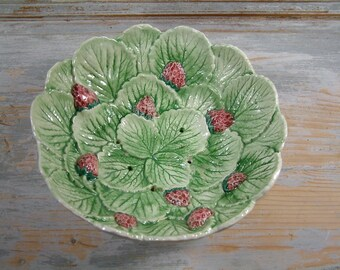 French vintage majolica berry strainer dish. French country. shabby chic. Berry bowl. Fruit bowl