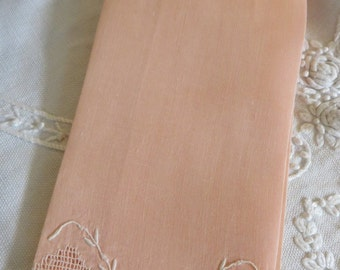 Cotton Peach Vintage Finger-Tip Towel  //  Cotton Towel  //  Cut Work Filigree  //  Embroidered