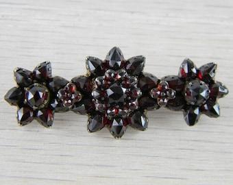 Gold-over-Silver Victorian Bohemian Garnet Vermeil 3 Flower Pin Brooch AN-G87
