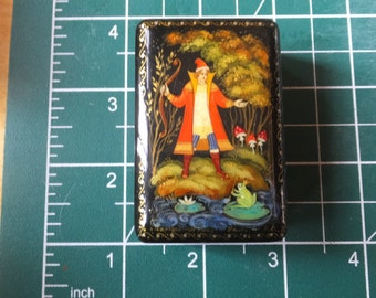 Hand Painted Enamel Pill Box
