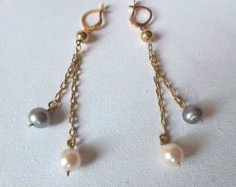 18K solid Gold earrings with chains and white & gray pearls