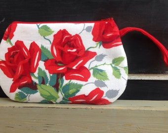 Vintage Red Roses Wilendur Tablecloth Wristlet Purse