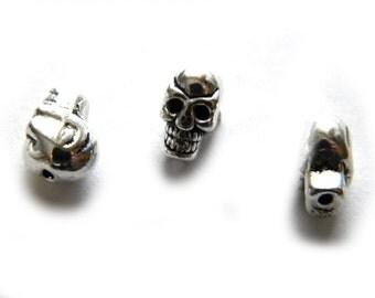 10 Silver Skull Beads - Halloween Charm