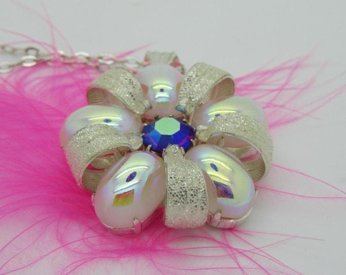 Avesome Vintage Necklace Pendant Czech Rhinestones
