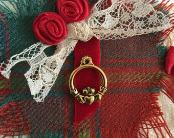 Irish-Celtic Valentine's Day Card, All Ireland-Red Tartan with  Gold Claddagh  Pendant, Irish Wedding, Friendship, Anniversary Blank inside.