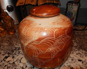 ROBINSON POTTERY URN with Lid