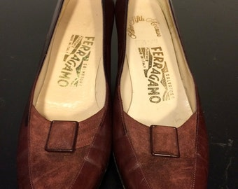FREE  SHIPPING      Woman's Ferragamo Heels