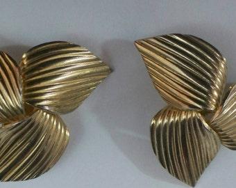 Sarah Coventry Earrings, Clip On Earrings, Sarah Coventry Earrings, Gold Tone Funky Earrings, Sarah Coventry Jewelry, Jewelry Sarah Coventry